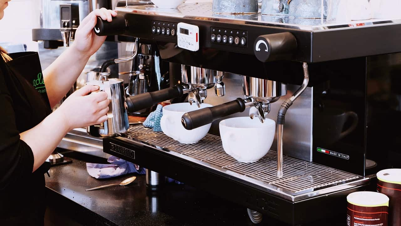 commercial coffee machine cleaning guide